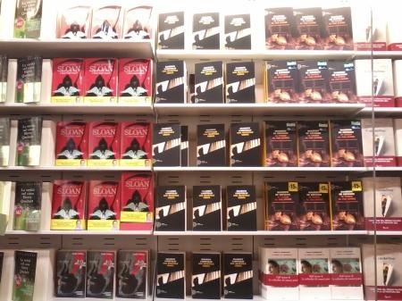 Ecco come i negozi di libri possono usare il loro spazio per presentare ai clienti il maggior numero possibile di titoli.
