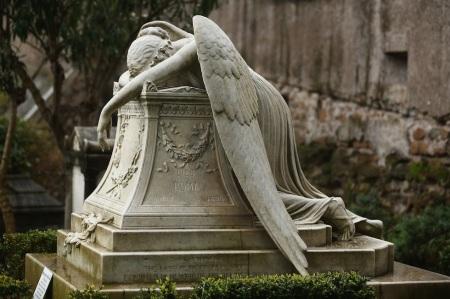 Un explicit universale (Roma, cimitero degli acattolici)